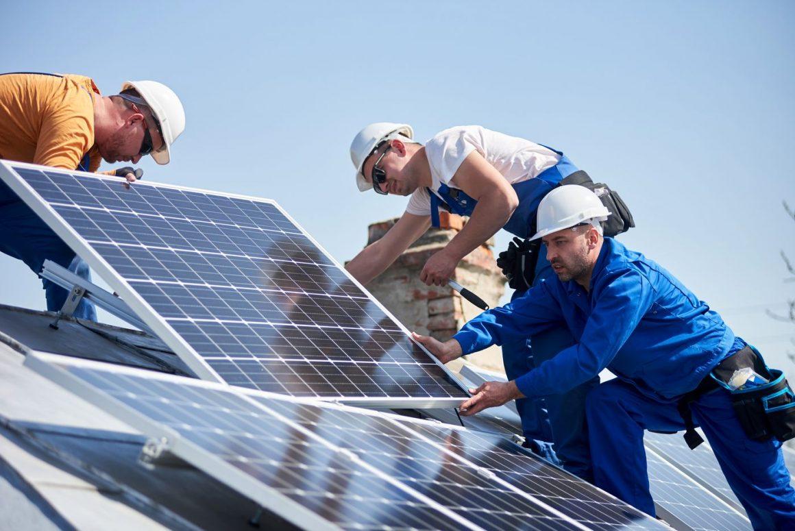 Trouver un installateur de panneaux solaires sérieux à Lyon