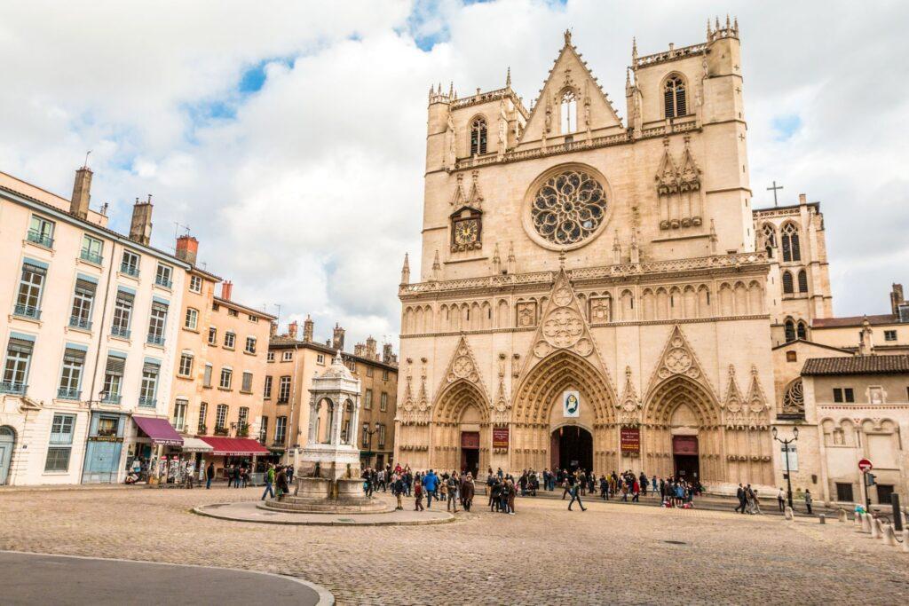 Place Saint Jean à Lyon